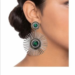 NWT:Unique Nine West Green Starburst Drop Earrings